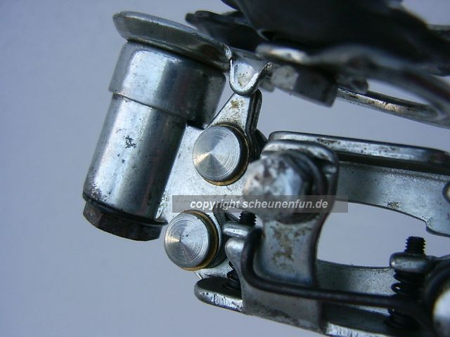 campagnolo-valentino-extra-derailleur-not-much-uesed
